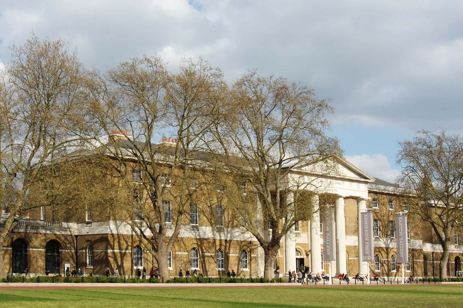 An exterior image of the Saatchi Gallery