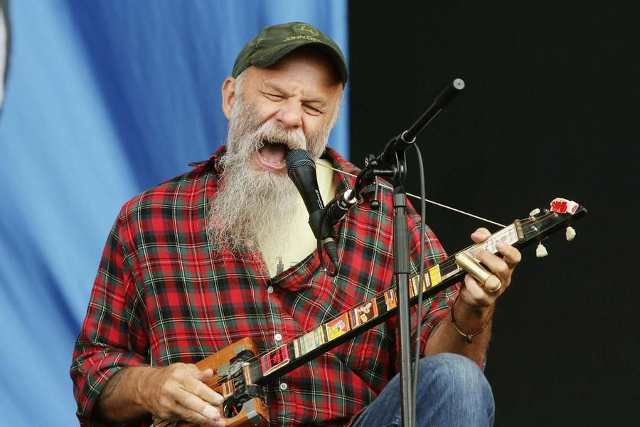 Seasick Steve performing on the Main Stage at the Reading Festival at Richfield Avenue in Reading