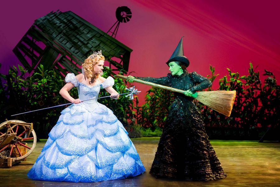 A scene from Wicked @ Apollo Victoria